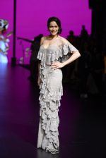 Waluscha de Sousa walk the ramp for Shantanu and Nikhil Show at Lakme Fashion Week 2016 on 27th Aug 2016 (1098)_57c2d2105175f.JPG