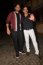 Akshay Kumar hosts a party in honour of Hollywood superstar Will Smith on 28th Aug 2016 (11)_57c3d5e9ef685.JPG