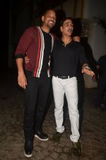 Akshay Kumar hosts a party in honour of Hollywood superstar Will Smith on 28th Aug 2016 (2)_57c3d6eb928a3.JPG