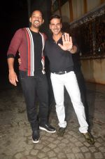 Akshay Kumar hosts a party in honour of Hollywood superstar Will Smith on 28th Aug 2016 (9)_57c3d5e90a328.JPG