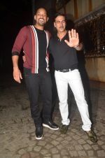Akshay Kumar hosts a party in honour of Hollywood superstar Will Smith on 28th Aug 2016 (10)_57c3d5a1bf883.JPG