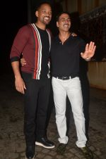 Akshay Kumar hosts a party in honour of Hollywood superstar Will Smith on 28th Aug 2016 (13)_57c3d5eb37f0b.JPG