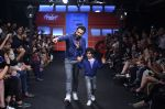 Emraan Hashmi walk the ramp for The Hamleys Show styled by Diesel Show at Lakme Fashion Week 2016 on 28th Aug 2016 (494)_57c3c6beb5361.JPG