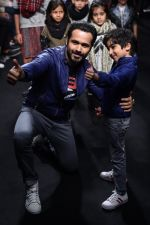 Emraan Hashmi walk the ramp for The Hamleys Show styled by Diesel Show at Lakme Fashion Week 2016 on 28th Aug 2016 (576)_57c3c86ddec69.JPG