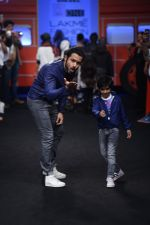 Emraan Hashmi walk the ramp for The Hamleys Show styled by Diesel Show at Lakme Fashion Week 2016 on 28th Aug 2016 (599)_57c3c8e2e4387.JPG