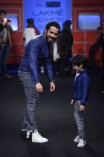 Emraan Hashmi walk the ramp for The Hamleys Show styled by Diesel Show at Lakme Fashion Week 2016 on 28th Aug 2016 (619)_57c3c936091ab.JPG