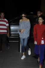 Katrina Kaif snapped at airport on 28th Aug 2016 (21)_57c3c2f643c32.JPG