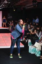 Model walk the ramp for Little Shilpa Show at Lakme Fashion Week 2016 on 28th Aug 2016 (338)_57c3c39bdef23.JPG