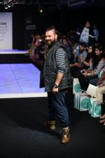 Model walk the ramp for Little Shilpa Show at Lakme Fashion Week 2016 on 28th Aug 2016 (392)_57c3c3f63f797.JPG