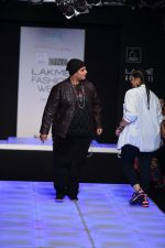 Model walk the ramp for Little Shilpa Show at Lakme Fashion Week 2016 on 28th Aug 2016 (418)_57c3c41b773d5.JPG