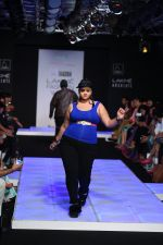 Model walk the ramp for Little Shilpa Show at Lakme Fashion Week 2016 on 28th Aug 2016 (439)_57c3c43826e4e.JPG