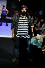 Model walk the ramp for Little Shilpa Show at Lakme Fashion Week 2016 on 28th Aug 2016 (448)_57c3c44294c9d.JPG