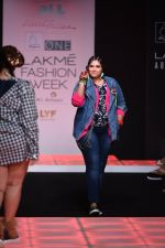 Model walk the ramp for Little Shilpa Show at Lakme Fashion Week 2016 on 28th Aug 2016 (329)_57c3c37f42152.JPG