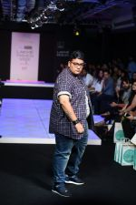 Model walk the ramp for Little Shilpa Show at Lakme Fashion Week 2016 on 28th Aug 2016 (354)_57c3c3b6bc0d7.JPG