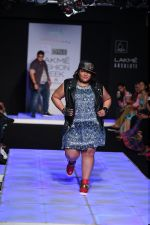 Model walk the ramp for Little Shilpa Show at Lakme Fashion Week 2016 on 28th Aug 2016 (363)_57c3c3c46df32.JPG