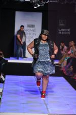 Model walk the ramp for Little Shilpa Show at Lakme Fashion Week 2016 on 28th Aug 2016 (364)_57c3c3c72e149.JPG