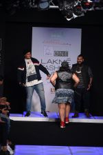 Model walk the ramp for Little Shilpa Show at Lakme Fashion Week 2016 on 28th Aug 2016 (381)_57c3c3e3547e0.JPG