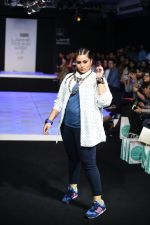 Model walk the ramp for Little Shilpa Show at Lakme Fashion Week 2016 on 28th Aug 2016 (408)_57c3c40c8ae06.JPG