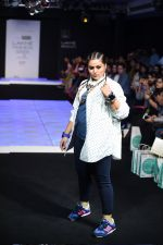 Model walk the ramp for Little Shilpa Show at Lakme Fashion Week 2016 on 28th Aug 2016 (410)_57c3c40f763f8.JPG