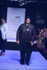 Model walk the ramp for Little Shilpa Show at Lakme Fashion Week 2016 on 28th Aug 2016 (420)_57c3c41e1c77f.JPG