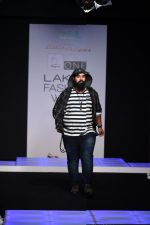 Model walk the ramp for Little Shilpa Show at Lakme Fashion Week 2016 on 28th Aug 2016 (444)_57c3c43d9e0db.JPG