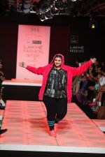 Model walk the ramp for Little Shilpa Show at Lakme Fashion Week 2016 on 28th Aug 2016 (457)_57c3c44f5871d.JPG