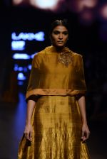Model walk the ramp for Payal Khandwala Show at Lakme Fashion Week 2016 on 28th Aug 2016 (114)_57c3c64bf1ec7.JPG