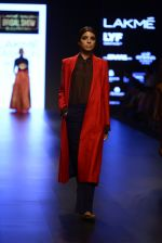 Model walk the ramp for Payal Khandwala Show at Lakme Fashion Week 2016 on 28th Aug 2016 (122)_57c3c672000dd.JPG