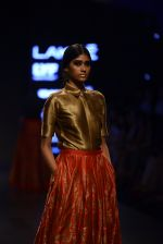 Model walk the ramp for Payal Khandwala Show at Lakme Fashion Week 2016 on 28th Aug 2016 (145)_57c3c6e4650fa.JPG