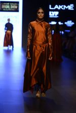 Model walk the ramp for Payal Khandwala Show at Lakme Fashion Week 2016 on 28th Aug 2016 (148)_57c3c6f1a7204.JPG