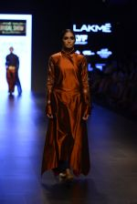 Model walk the ramp for Payal Khandwala Show at Lakme Fashion Week 2016 on 28th Aug 2016 (150)_57c3c6f8a714e.JPG