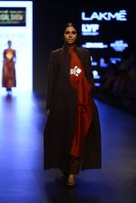 Model walk the ramp for Payal Khandwala Show at Lakme Fashion Week 2016 on 28th Aug 2016 (174)_57c3c7606ffa0.JPG