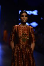 Model walk the ramp for Payal Khandwala Show at Lakme Fashion Week 2016 on 28th Aug 2016 (185)_57c3c795b0d37.JPG