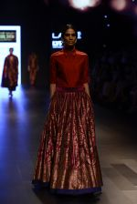Model walk the ramp for Payal Khandwala Show at Lakme Fashion Week 2016 on 28th Aug 2016 (222)_57c3c853507c5.JPG