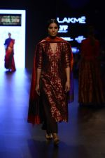Model walk the ramp for Payal Khandwala Show at Lakme Fashion Week 2016 on 28th Aug 2016 (228)_57c3c86c258a6.JPG
