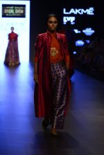 Model walk the ramp for Payal Khandwala Show at Lakme Fashion Week 2016 on 28th Aug 2016 (251)_57c3c8d7f12bf.JPG