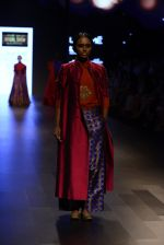 Model walk the ramp for Payal Khandwala Show at Lakme Fashion Week 2016 on 28th Aug 2016 (261)_57c3c8fce99b3.JPG