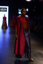 Model walk the ramp for Payal Khandwala Show at Lakme Fashion Week 2016 on 28th Aug 2016 (262)_57c3c9013e883.JPG