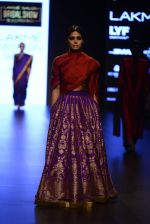 Model walk the ramp for Payal Khandwala Show at Lakme Fashion Week 2016 on 28th Aug 2016 (265)_57c3c910908e5.JPG