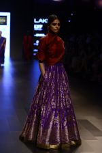 Model walk the ramp for Payal Khandwala Show at Lakme Fashion Week 2016 on 28th Aug 2016 (275)_57c3c93c80baf.JPG