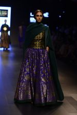 Model walk the ramp for Payal Khandwala Show at Lakme Fashion Week 2016 on 28th Aug 2016 (314)_57c3c9b370a39.JPG