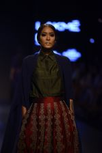 Model walk the ramp for Payal Khandwala Show at Lakme Fashion Week 2016 on 28th Aug 2016 (384)_57c3ca5d1f778.JPG
