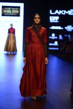 Model walk the ramp for Payal Khandwala Show at Lakme Fashion Week 2016 on 28th Aug 2016 (396)_57c3ca72e2afe.JPG