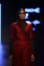 Model walk the ramp for Payal Khandwala Show at Lakme Fashion Week 2016 on 28th Aug 2016 (401)_57c3ca7a72130.JPG