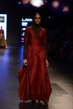 Model walk the ramp for Payal Khandwala Show at Lakme Fashion Week 2016 on 28th Aug 2016 (403)_57c3ca7daddf8.JPG