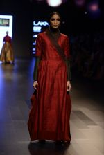 Model walk the ramp for Payal Khandwala Show at Lakme Fashion Week 2016 on 28th Aug 2016 (407)_57c3ca82e631c.JPG