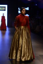 Model walk the ramp for Payal Khandwala Show at Lakme Fashion Week 2016 on 28th Aug 2016 (418)_57c3ca976853a.JPG