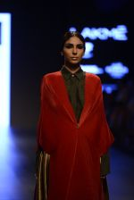 Model walk the ramp for Payal Khandwala Show at Lakme Fashion Week 2016 on 28th Aug 2016 (426)_57c3caa531509.JPG