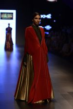 Model walk the ramp for Payal Khandwala Show at Lakme Fashion Week 2016 on 28th Aug 2016 (431)_57c3caadd1fb2.JPG