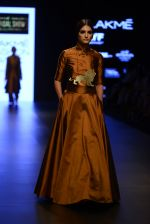 Model walk the ramp for Payal Khandwala Show at Lakme Fashion Week 2016 on 28th Aug 2016 (44)_57c3c54e55822.JPG